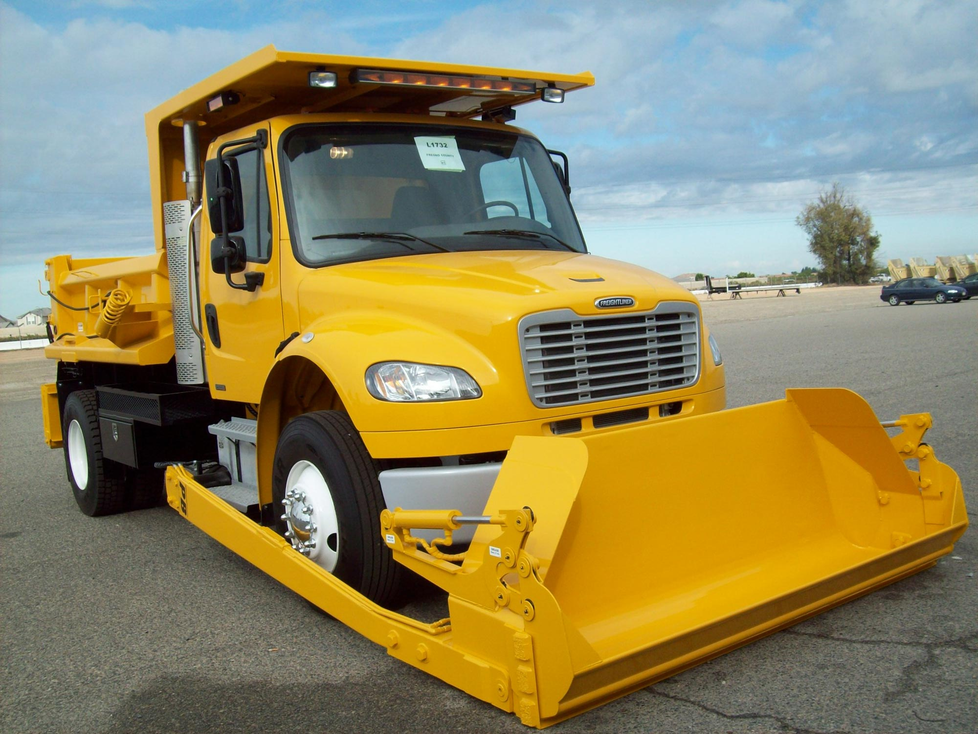 PB Conventional Chassis Loader